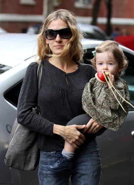 Sarah Jessica Parker in giro per NY con le figlie Tabitha e Marion