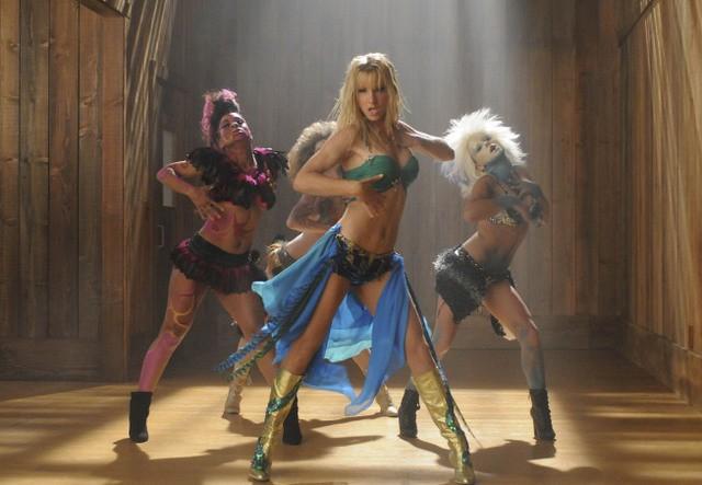 Heather Morris in una coreografia dell'episodio Britney/Brittany di Glee
