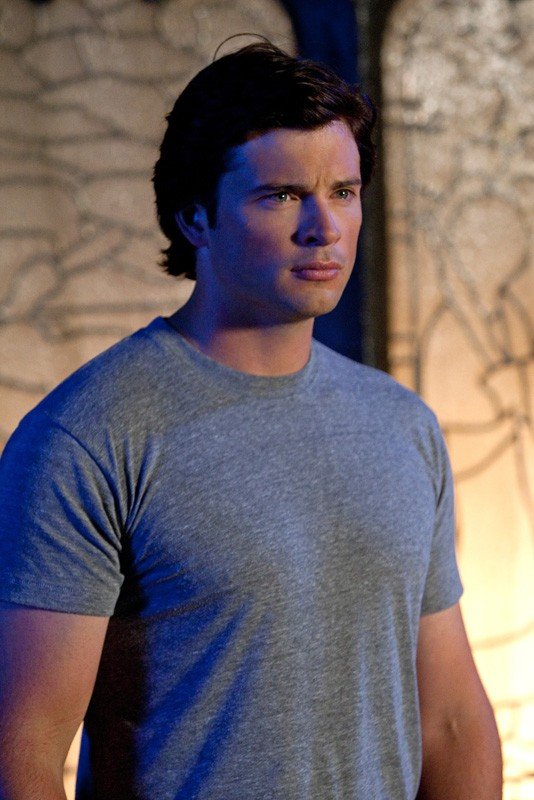 Clark (Tom Welling) in un momento dell'episodio Supergirl di Smallville