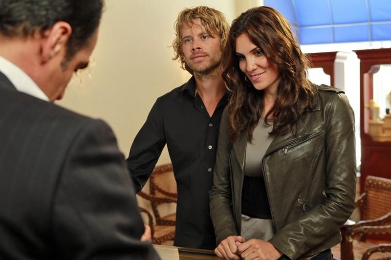 Daniela Ruah ed Eric Christian Olsen in un momento di Special Delivery di NCIS: Los Angeles