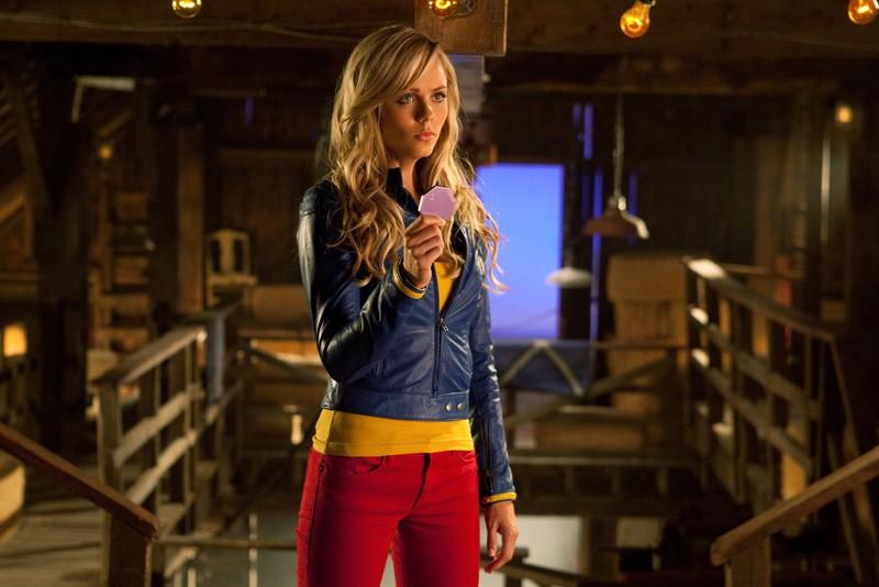 Kara (Laura Vandervoort) in una scena dell'episodio Supergirl di Smallville