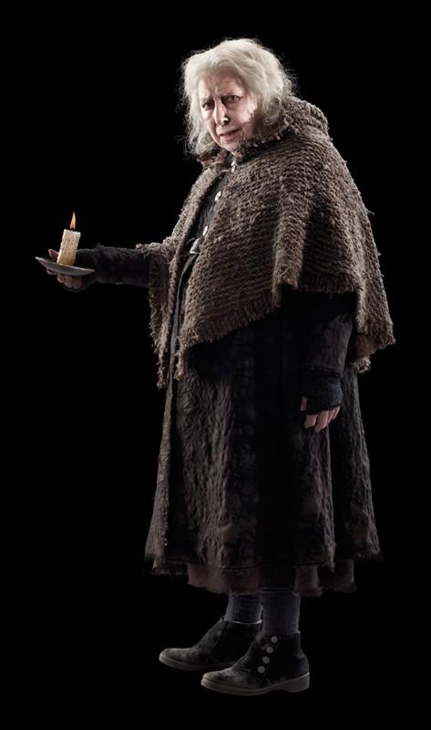 Una foto promo di Hazel Douglas (Bathilda Bagshot) per il film I Doni della Morte - parte 1