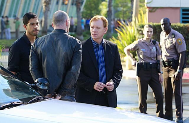 Adam Rodriguez e David Caruso nell'episiodio Reality Kills di CSI: Miami