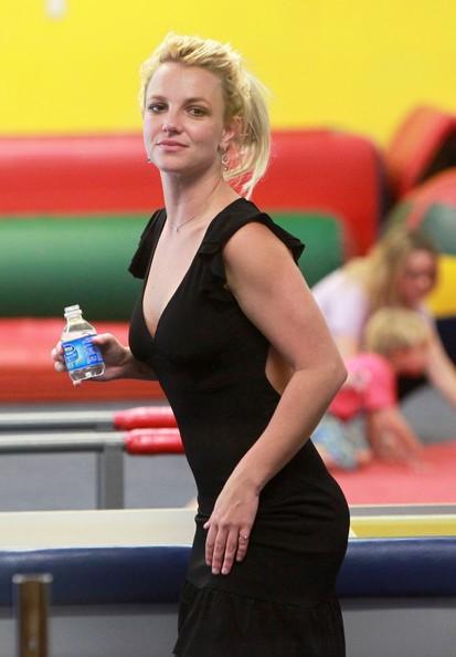 Britney Spears al Gymboree Play per passare del tempo con i figli a Los Angeles