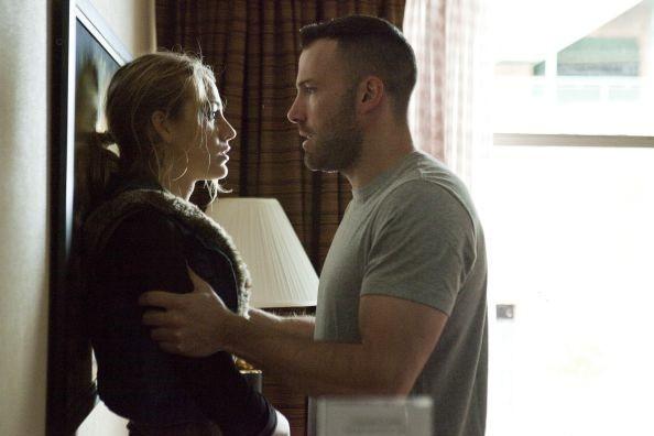 Blake Lively con un minaccioso Ben Affleck in The Town (2010)