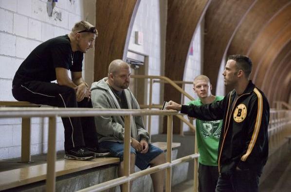 Jeremy Renner, Slaine, Owen Burke e Ben Affleck in una scena di The Town