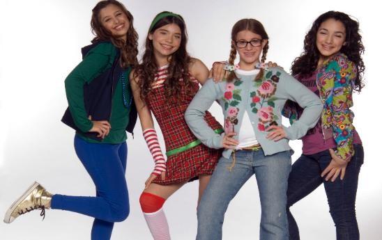 Un'immagine del cast femminile de Il mondo di Patty - il musical
