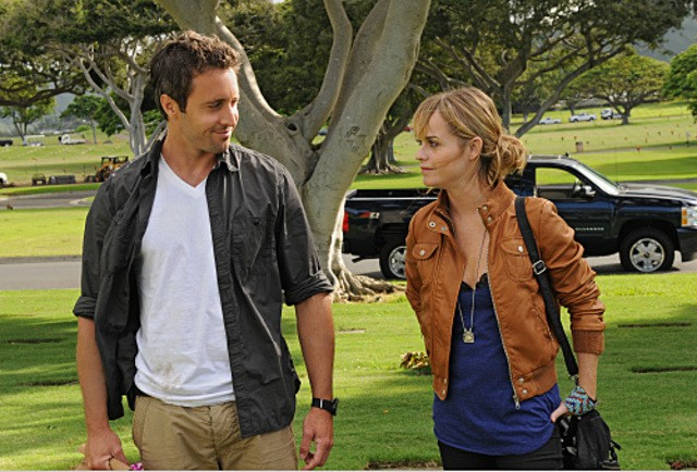 Alex O'Loughlin e Taryn Manning nell'episodio Lanakila di Hawaii Five -0