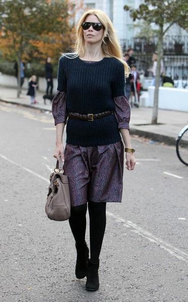 Claudia Schiffer fuori dalla scuola del figlio in West London