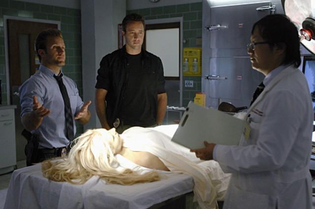 Masi Oka, Alex O'Loughlin e Scott Caan nell'episodio Nalowale di Hawaii Five-0