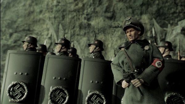 Nazi minacciosi, dal film Jackboots on Whitehall