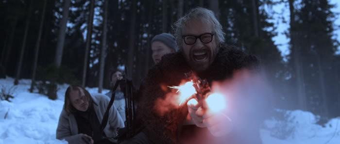 Reiner Schöne in una scena del film Snowman's Land