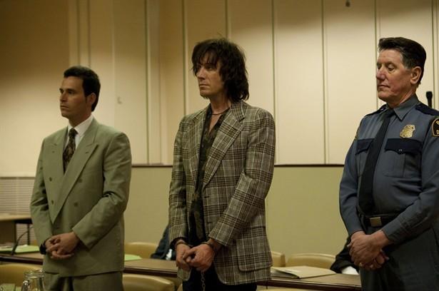 Rhys Ifans in una sequenza del film Mr. Nice