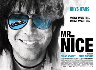 Un'immagine promozionale del film Mr. Nice