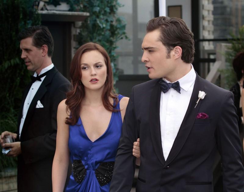 Chuck (Ed Westwick) parla con Blair (Leighton Meester) nell'episodio Touch of Eva di Gossip Girl