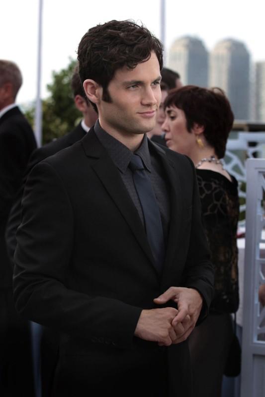 Dan (Penn Badgley) in total black nell'episodio Touch of Eva di Gossip Girl