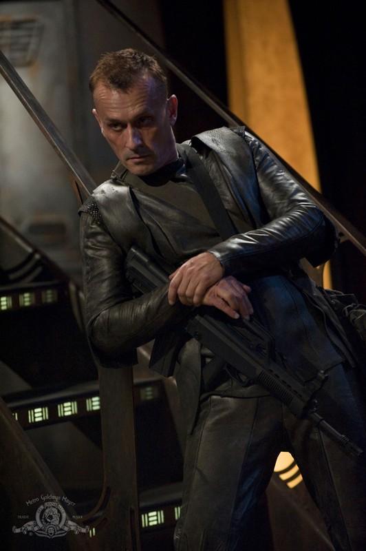 Il nuovo personaggio Simeon interpretato da Robert Knepper in: Intervention di Stargate Universe