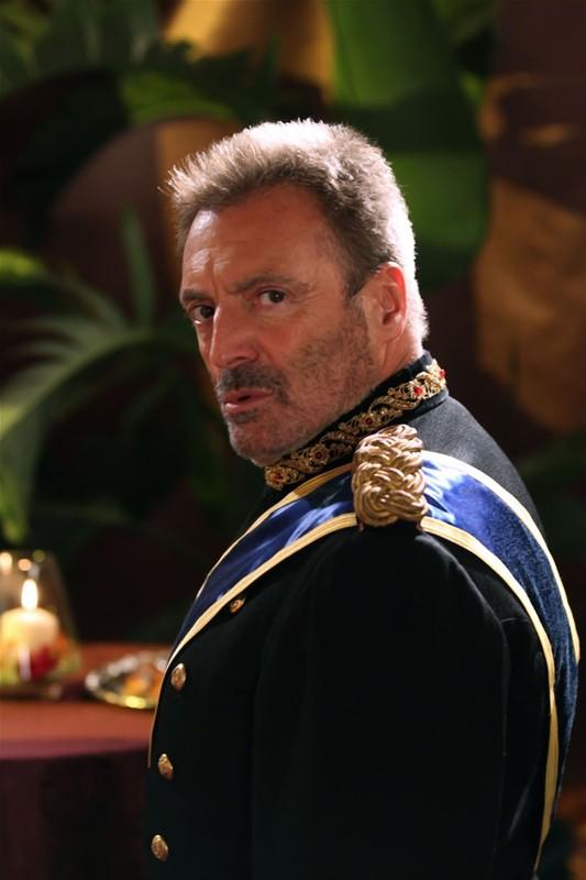 Il ritorno di Armand Assante nei panni del Generale Goya nell'episodio Chuck Versus the Coup D'Etat