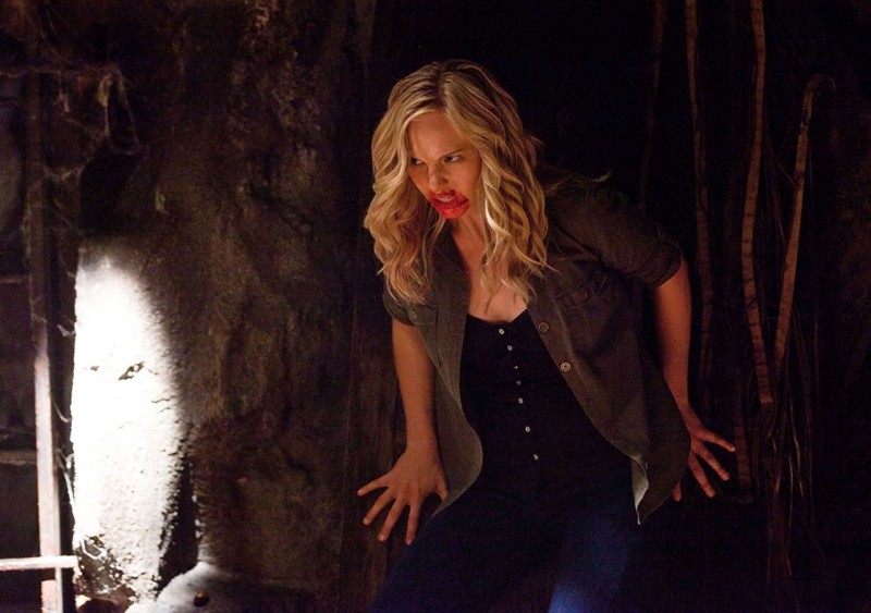L'arrabbiata Candice Accola in un momento dell'episodio Kill Or Be Killed di Vampire Diaries