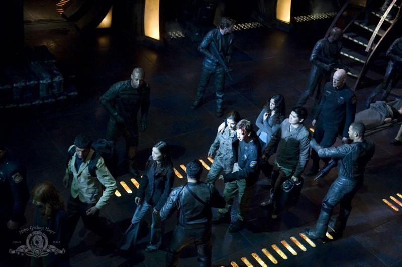 La Lucian Alliance esilia parte del personale della Destiny nell'episodio Intervention di Stargate Universe