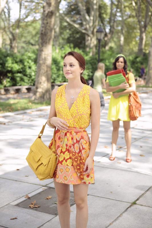 Leighton Meester seguita da Melissa Fumero nell'episodio Goodbye Columbia di Gossip Girl