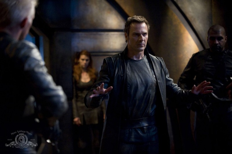 Varro (Mike Dopud) in una scena dell'episodio Intervention di Stargate Universe