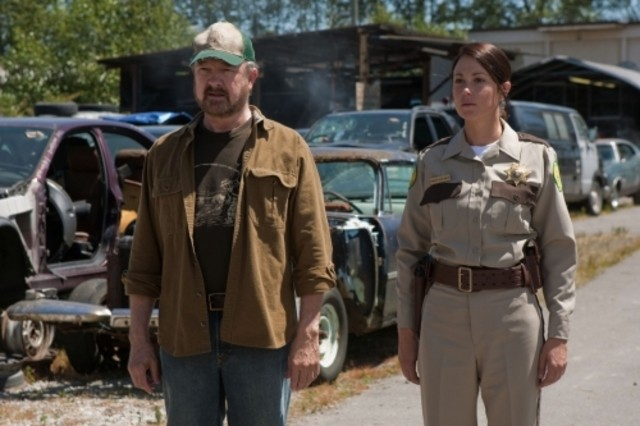 Jim Beaver e Kim Rhodes nell'episodio Weekend at Bobby's di Supernatural