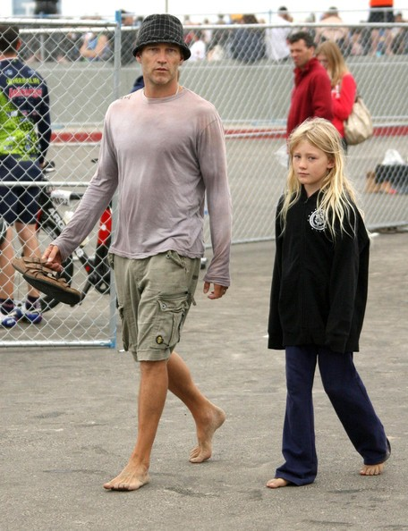 Stephen Moyer accanto a sua figlia Lilac in occasione dei Kaiser Permanente 2010 Los Angeles Triathlon