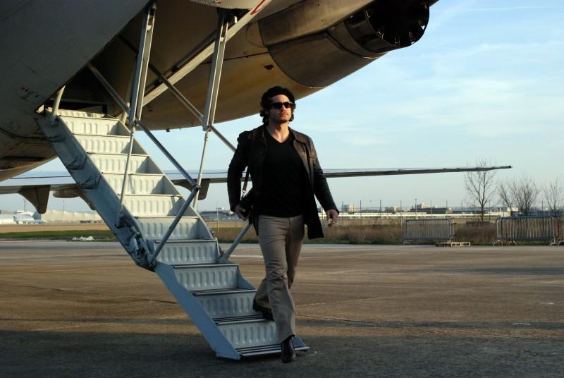 Edgar Ramirez è il protagonista del film Carlos di Olivier Assayas.