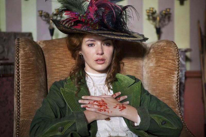 Louise Bourgoin in un'immagine di Adele e l'enigma del faraone