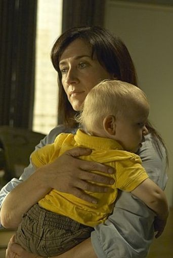 Maria Doyle Kennedy in una scena dell'episodio Practically Perfect della quinta stagione di Dexter.