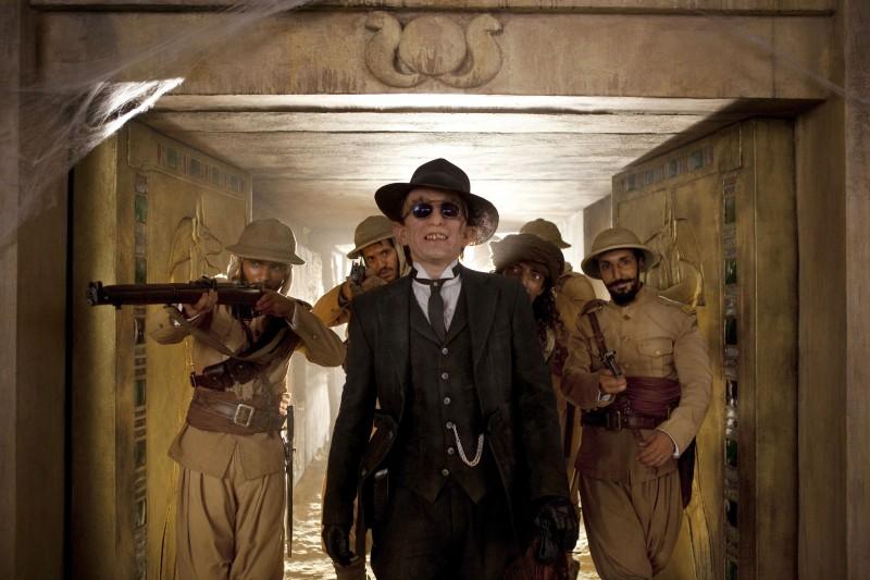 Mathieu Amalric in una scena del film Les Aventures Extrodinaire d'Adele Blanc-Sec