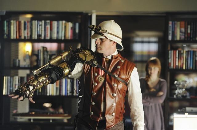 Nathan Fillion in un momento dell'episodio Punked di Castle
