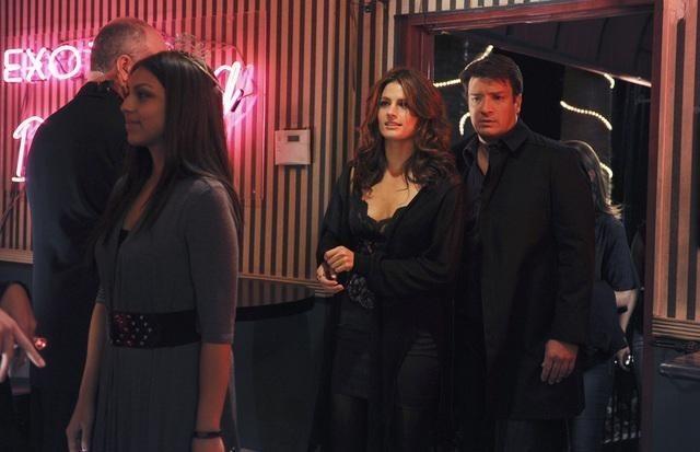 Stana Katic e Nathan Fillion nell'episodio Almost Famous di Castle