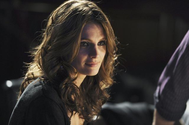 Stana Katic nell'episodio Almost Famous di Castle