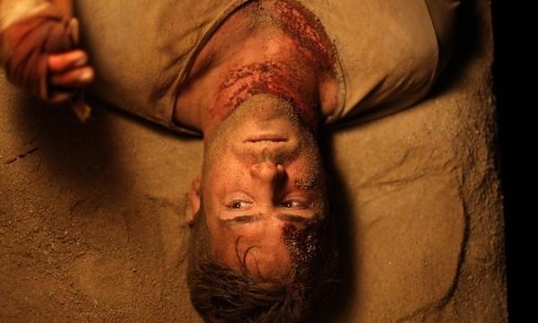 Un'immagine irregolare del film Buried con Ryan Reynolds