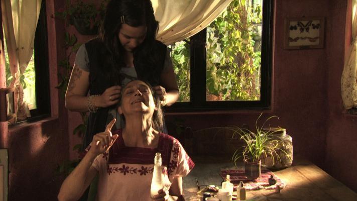 Una immagine del film Las buenas hierbas