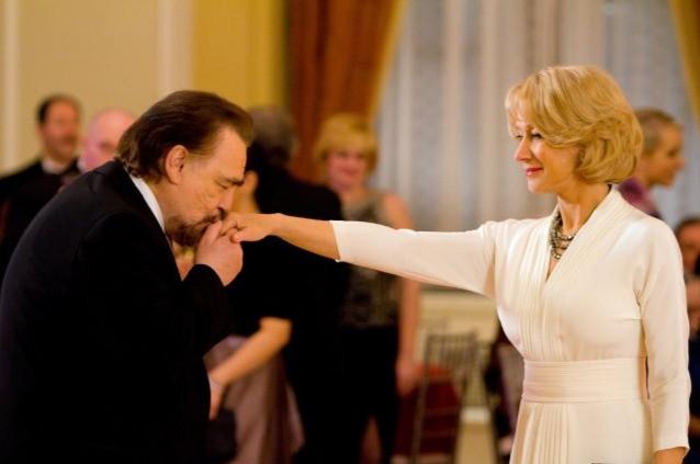 Brian Cox con Helen Mirren nel film Red