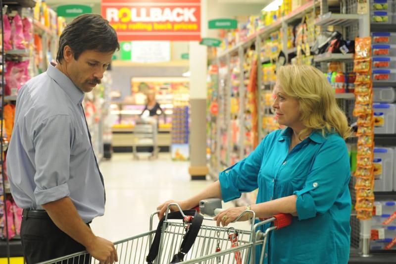 Guy Pearce con Jacki Weaver nel film Animal Kingdom