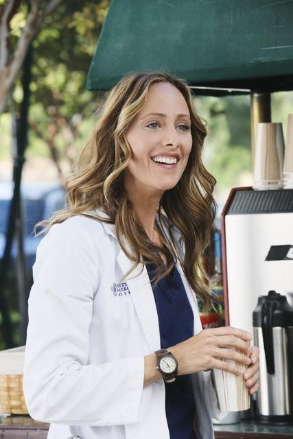 Kim Raver in Grey's Anatomy nell'episodio These Arms of Mine
