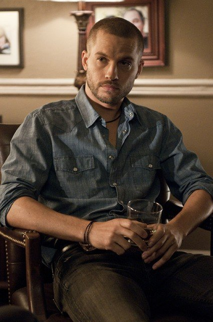 Logan Marshall-Green nell'episodio Shelter of the Beast di Dark Blue