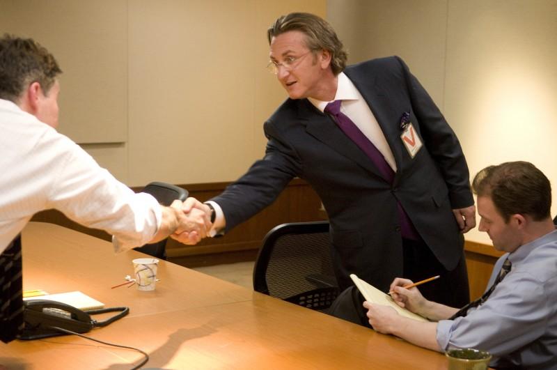 Sean Penn nei panni di Joseph Wilson nel thriller Fair Game di Doug Liman.
