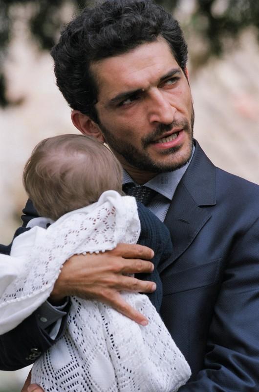 Amr Waked in una scena de Il padre e lo straniero