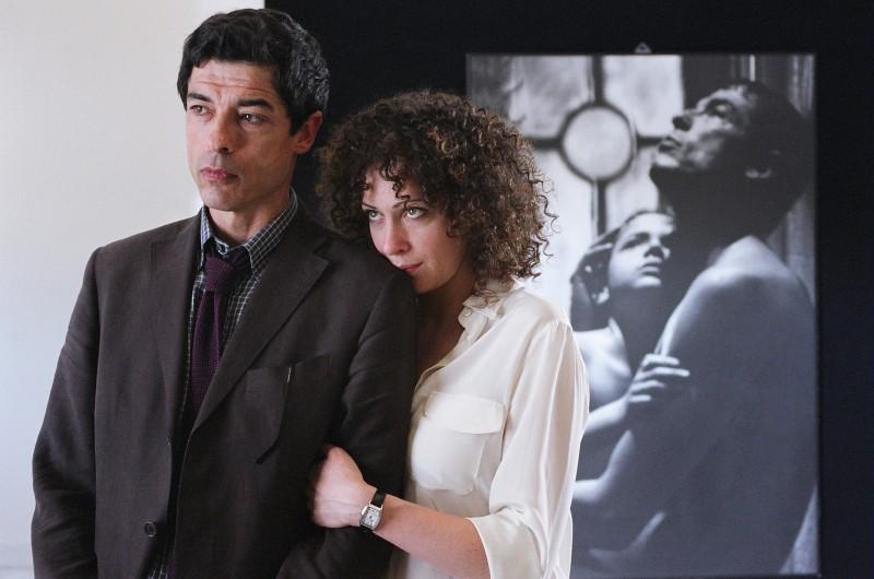 Ksenia Rappoport e Alessandro Gassman in una scena de Il padre e lo straniero