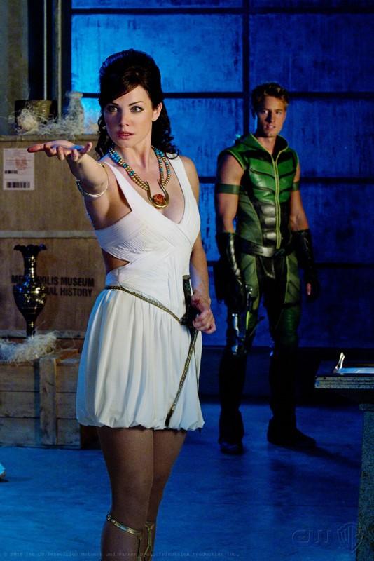 Erica Durance e Justin Hartley nell'episodio Isis di Smallville