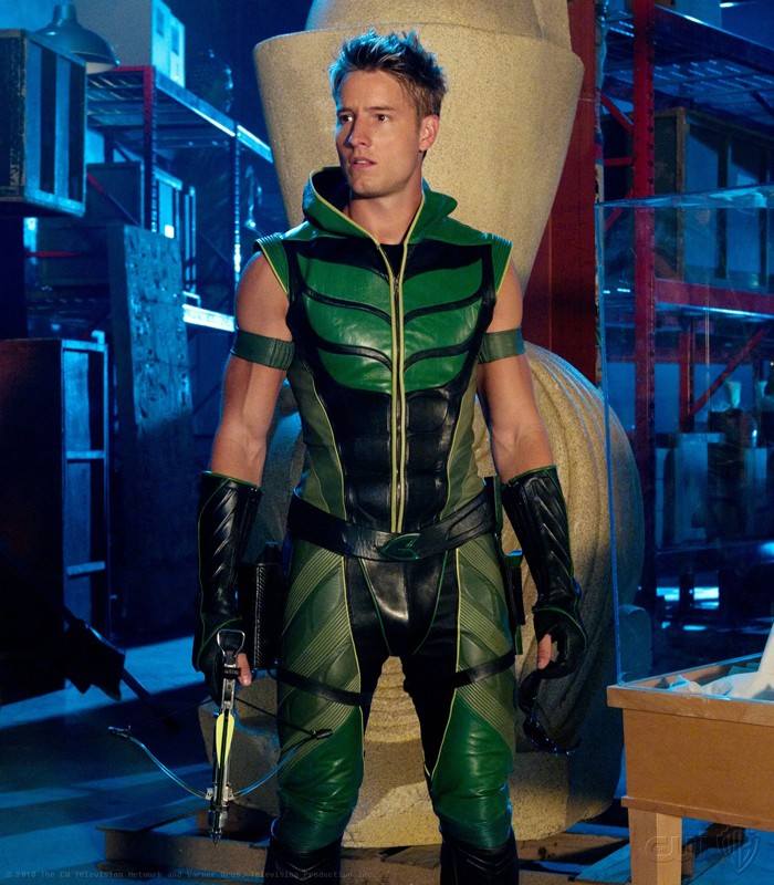 Freccia Verde (Justin Hartley) in una scena dell'episodio Isis di Smallville