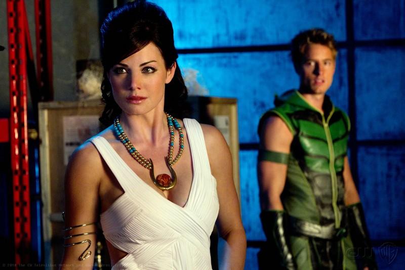 Lois (Erica Durance) e Freccia Verde (Justin Hartley) nell'episodio Isis di Smallville