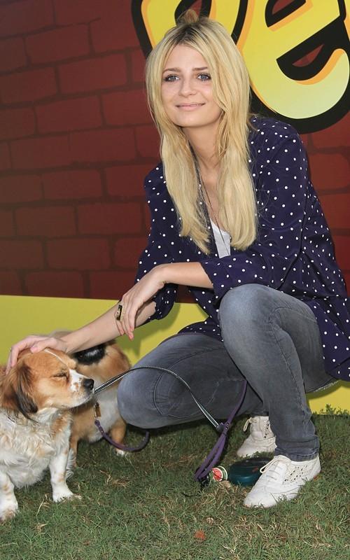 Mischa Barton all'evento Talk Pup-Peroni Couch a Encino, Calfornia