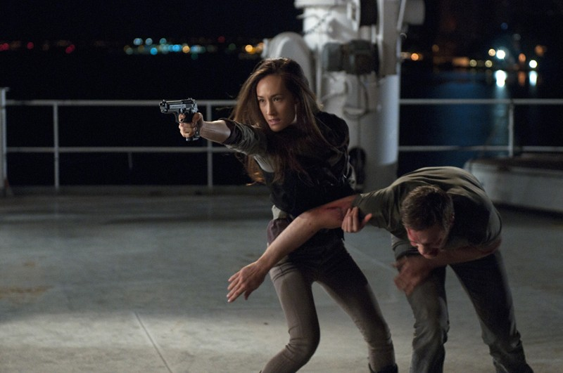 Nikita (Maggie Q) lotta con Owen (Devon Sawa) nell'episodio The Guardian
