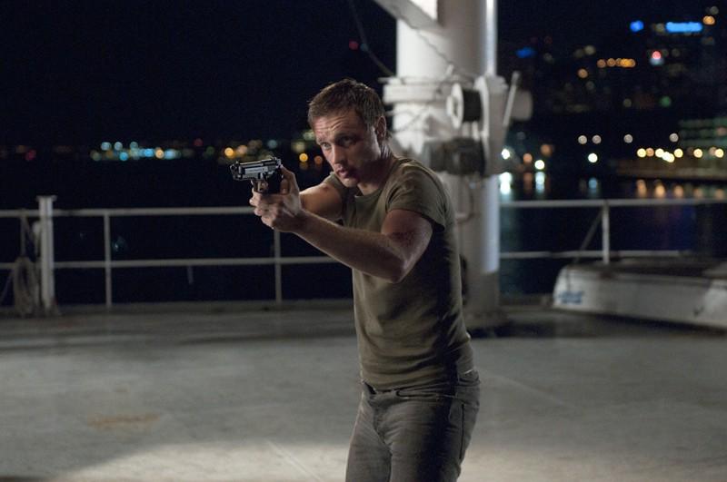 Owen (Devon Sawa) in una sequenza dell'episodio The Guardian di Nikita